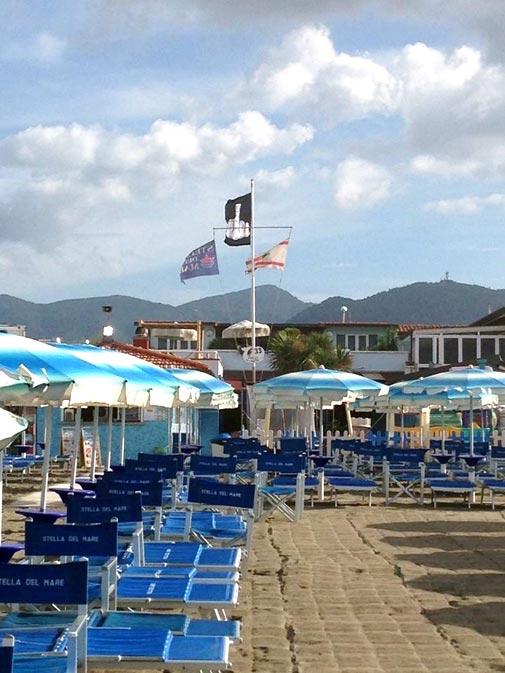 Immagini hotel bagno stella del mare a marina di carrara for Bagno unione marina di carrara